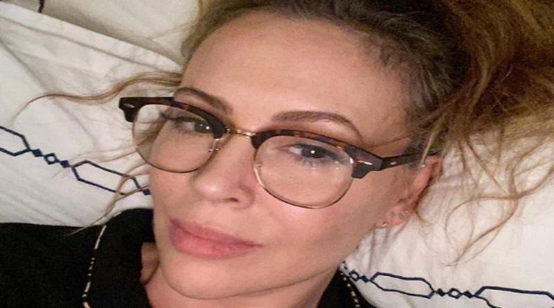Actriz Alyssa Milano se queda sin pelo tras pelear contra el Covid-19 [VIDEO]