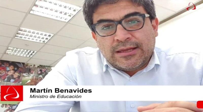 Ministro Benavides no sabe cómo los escolares pasarán o no de año [VIDEO]