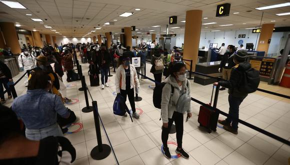 Callao: 8 casos positivos de covid-19  provenientes de vuelos internacionales