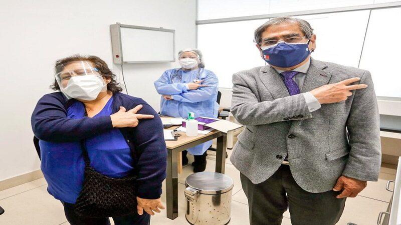 Ministro de salud anuncia llegada de 1 millón de dosis de vacuna china