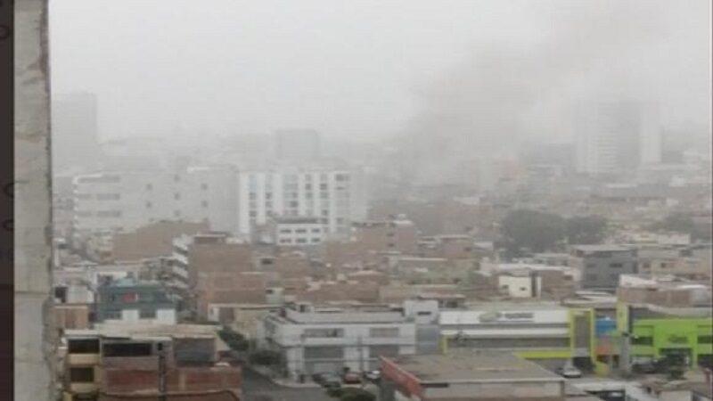 Surquillo: Incendio en una vivienda registrado en la avenida Leoncio Prado