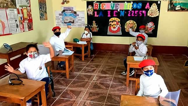 MINEDU anuncia retorno a clases presenciales en algunos colegios