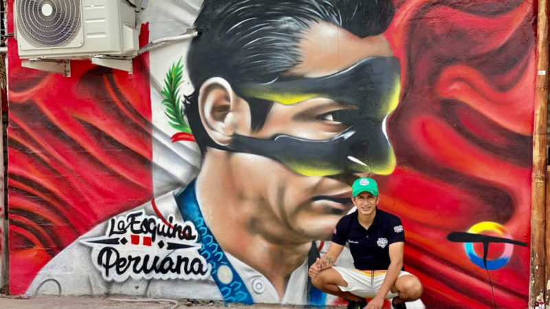 Lapadula: la imagen del ídolo se exhibe en restaurante de Ecuador