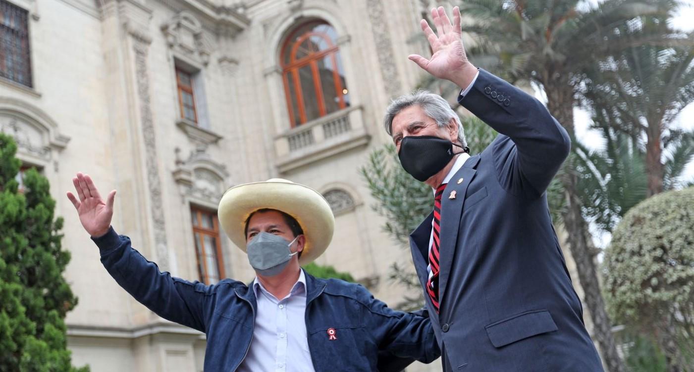 Sagasti: «le dije a Castillo que cambiar la Constitución sería divisivo»