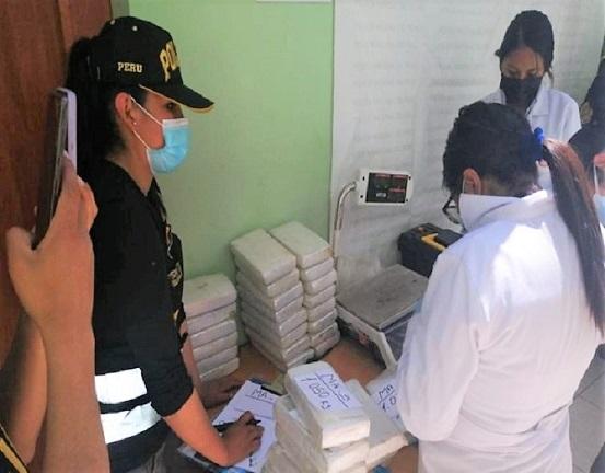 Cusco: Policía interviene camión con más de 100 kilos de cocaína