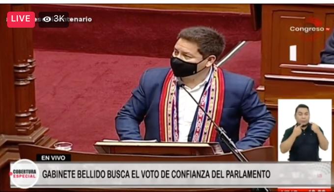 Bellido expone en quechua en el Congreso, pero le llamaron la atención