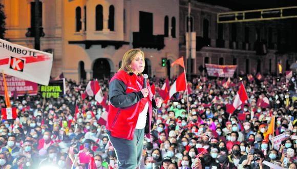 Lourdes Flores Nano: «Habrá marchas hasta que caiga el gabinete Bellido»