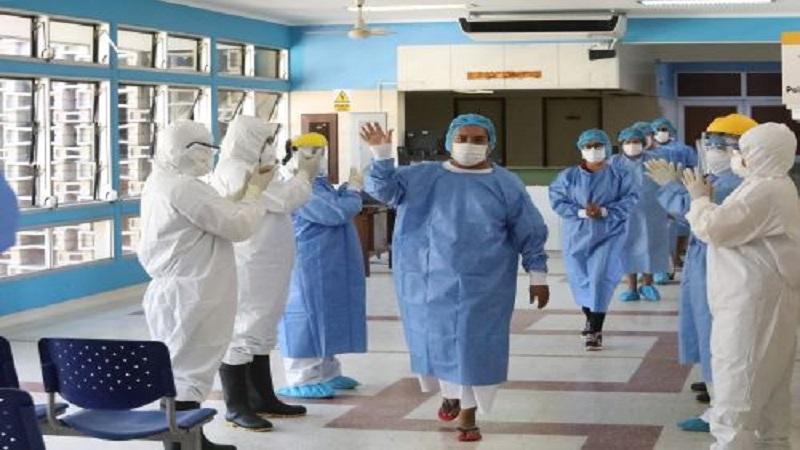 Covid-19: Perú afrontará hasta una cuarta ola pero vacunación reducirá impacto