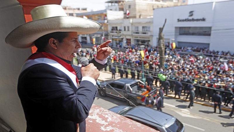 Pedro Castillo: «les cobraremos las cuentas a los corruptos y deudores del Perú»
