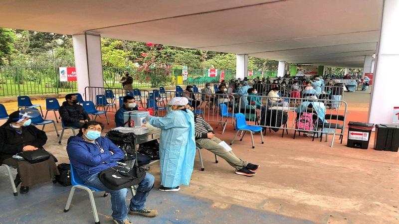 Minsa: «vacunatones» seguirán con llegada de nuevos lotes de Sinopharm y Pfizer