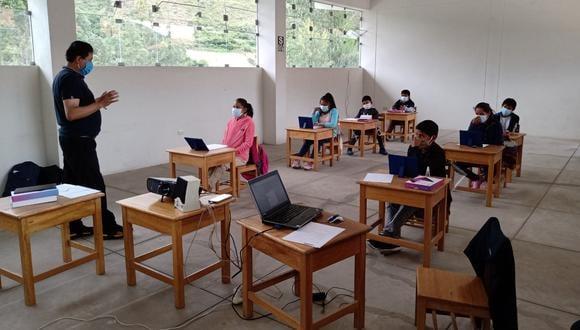 Colegios de Lima abrirán sus puertas para clases semipresenciales