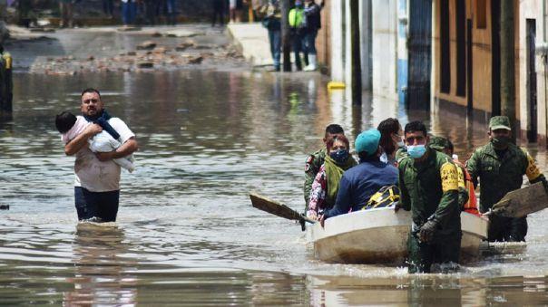 México: sismo e inundaciones dejan 15 muertos y miles de damnificados