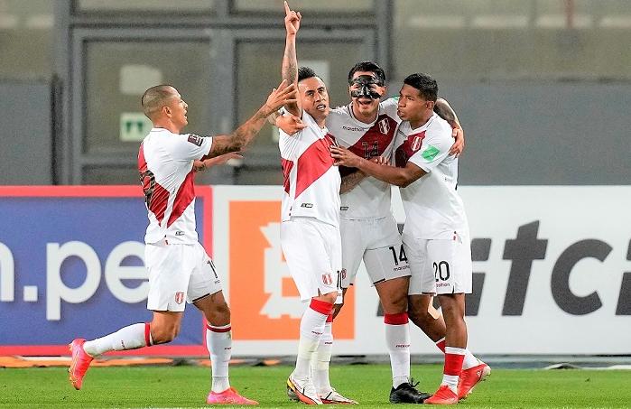 Perú venció 1-0 a Venezuela y escaló al sétimo lugar en Eliminatorias