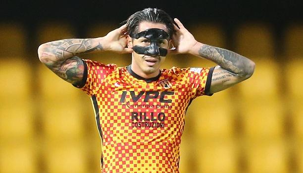 Héroe del gol: Lapadula convirtió un 'hat trick' en triunfo del Benevento