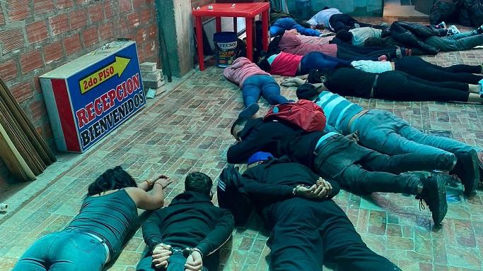 Puno: capturan a 17 delincuentes venezolanos con pistolas y granadas
