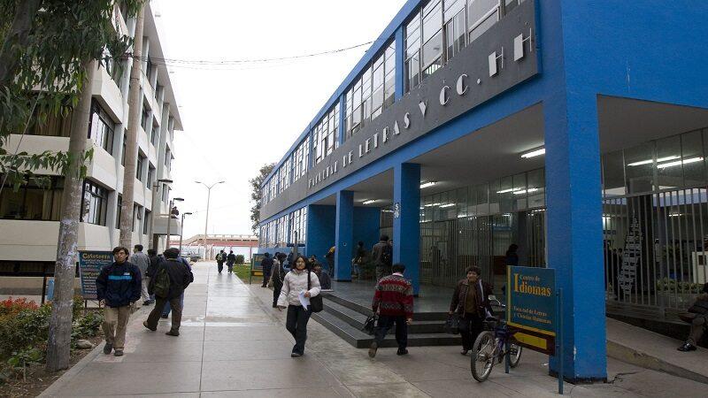 Minsa dará protocolo para reinicio de clases semipresenciales en universidades