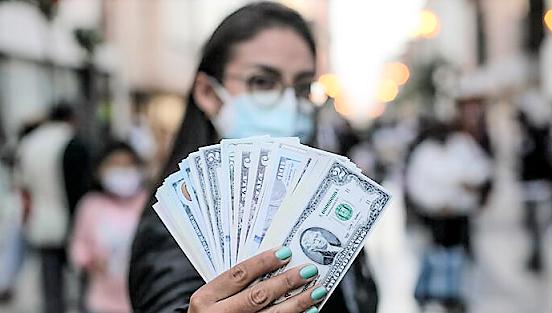 Dólar cayó hasta los S/ 4.07 tras renuncia de Guido Bellido a la PCM
