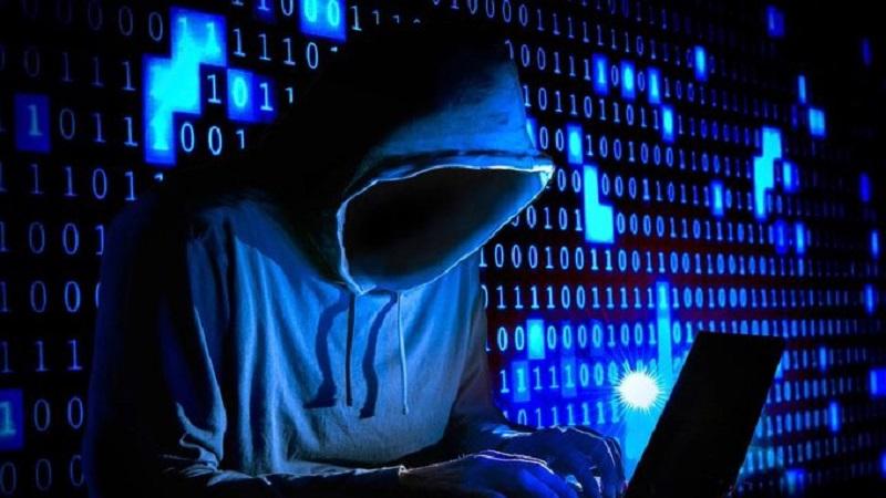 Facebook: datos de 1500 millones de usuarios estarían en foro de hackers