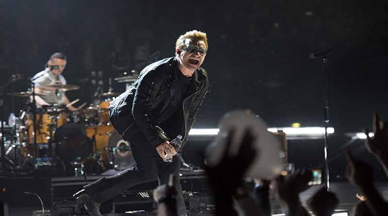 Bono de U2 se queda sin voz en pleno concierto