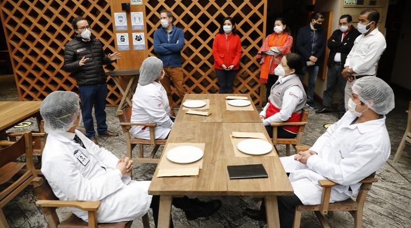 Restaurantes podrán atender a comensales pero con 40% de aforo