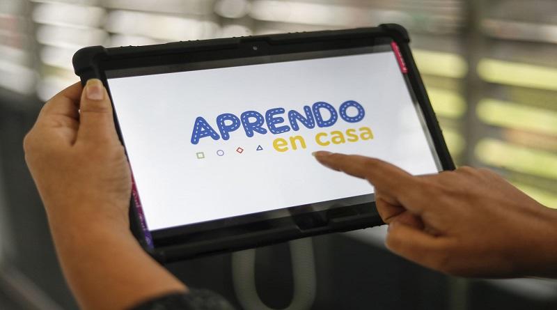 Ministerio de Educación iniciará en octubre distribución de tablets a escolares