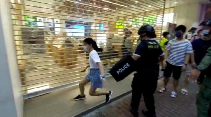 Hong Kong: niña fue a comprar útiles escolares y acaba arrestada [VIDEO]