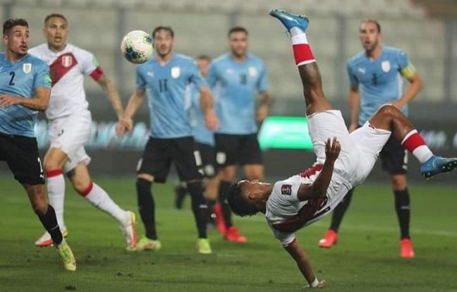 No alcanzó con este golazo: Perú empató 1-1 frente a Uruguay