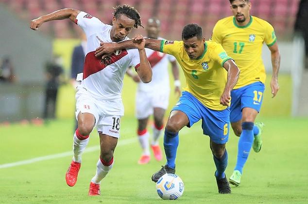 Perú cayó sin ofrecer resistencia ante Brasil y sigue sétimo en la tabla