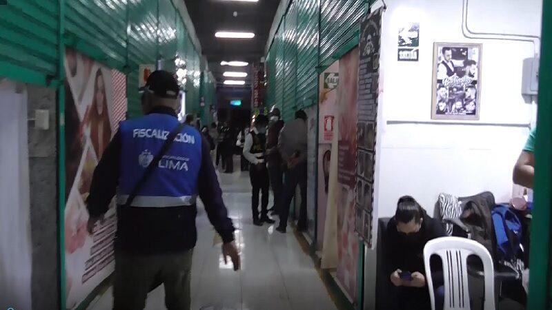 Centro de Lima: intervienen burdeles que funcionan en galería como centros de masajes [VIDEO]